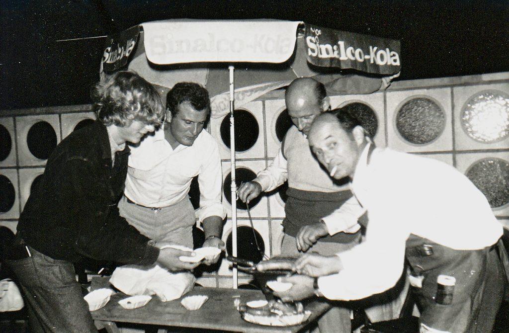 Grillparty auf der Restaurant Terrasse